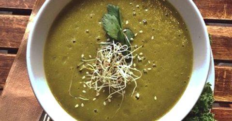 Sopa verde sustanciosa