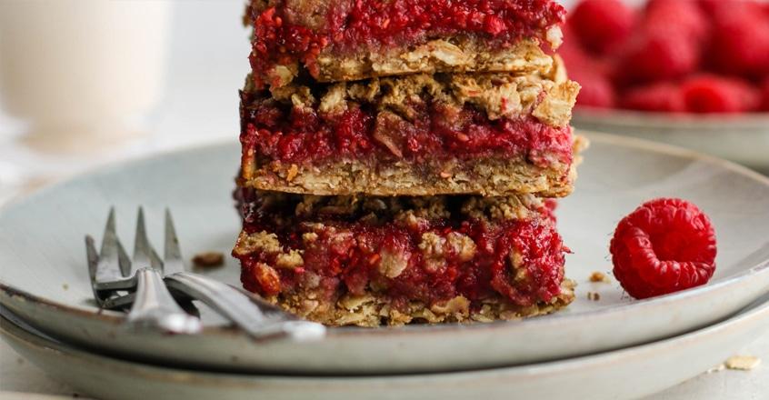 Raspberry Oat Crumble Bars