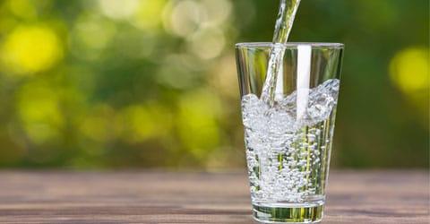 ¿Puede el ayuno de agua regular la presión arterial? ¡A mí me funcionó!